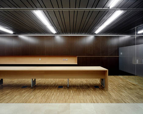Santatecla arquitectos for Oficinas servef valencia